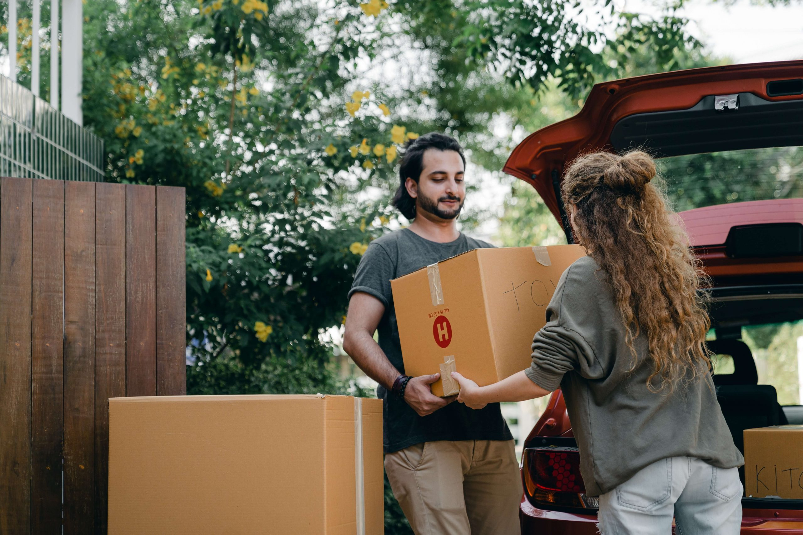 How to Pack a Car for Moving- 6 Steps for Doing It