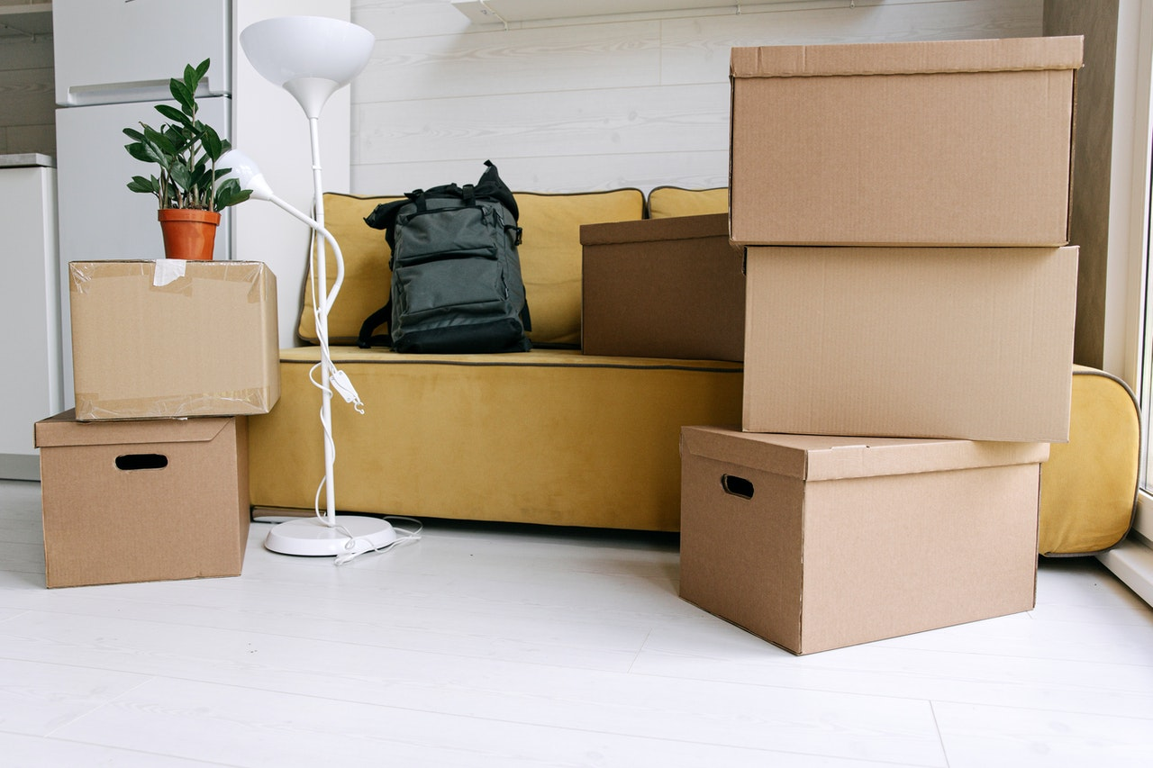 How To Pack Lamps For Moving: A Step-By-Step Guide